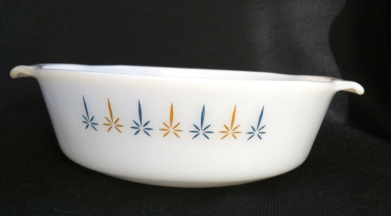 Anchor Hocking Fire King Atomic Candle Glow 1 1/2 Qt. Casserole Dish without lid blue gold on milk gl